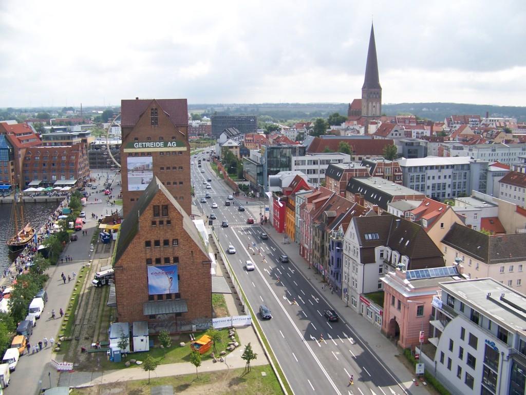 Rostock aus der Luft.